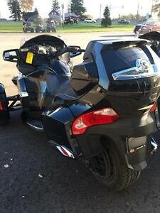 2013 Can-Am Spyder® RT Limited - SE5 London Ontario image 2