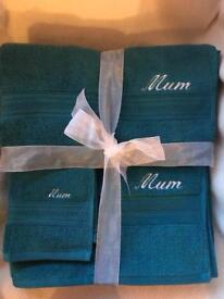 Personalised embroidered Mum towel set