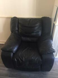 BLACK LEATHER SINGLE SEATER SOFA. FREE LOCAL DELIVERY