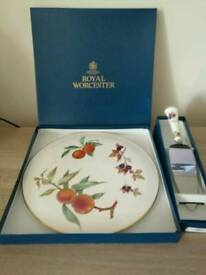 Royal Worcester Serving platter and serving knife