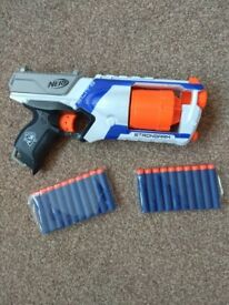 NERF elite strongarm with 20 foam bullets