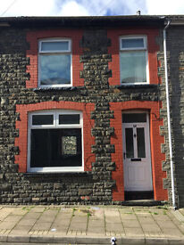 3 bedroom property available for rent in Mountain Ash, open plan lounge, recent referbish