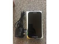 Motorola Moto e XT1021 Smartphone with New Charger and Box