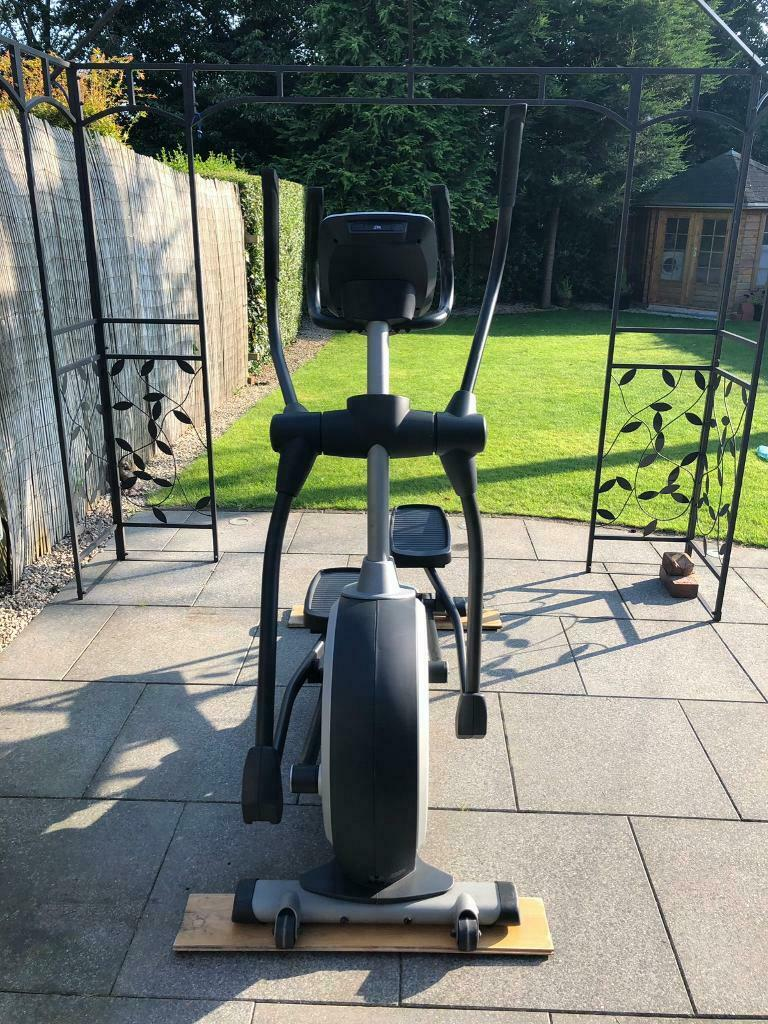 NordicTrack E7 2 Incline Elliptical Cross Trainer (iFit Live compatible) |  in Warwick, Warwickshire | Gumtree
