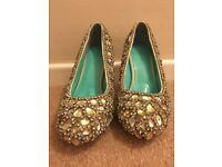 Stunning & Rare Swarovski Encrusted ladies size 5 shoes