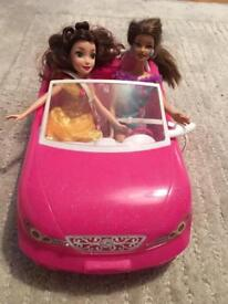 Barbie car with 2 x Barbies