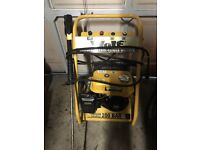 Wolf 200 BAR 3000 PSI Petrol Power Pressure Washer 6.5hp