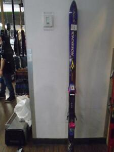 Superbe paire de ski alpin de marque Rossignol pour 29.99$!!!! (951569)