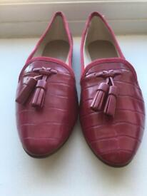 Brand new flat shoes to sell