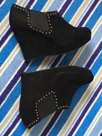 Practically new New Look Black boots