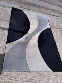Rug - black grey