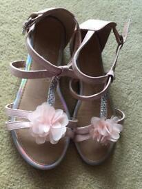 Girls size 2 sandals