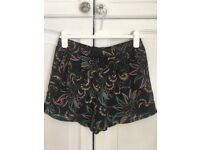 Women's patterned shorts, size 10 BNWT