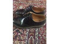 Doc Martens- black size 6