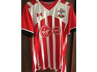 Southampton FC Football Shirt Medium