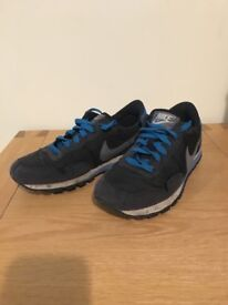 Nike Trainers (size 3.5)