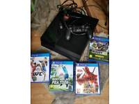 PS4 Sony PlayStation 4 with 4 games bundle