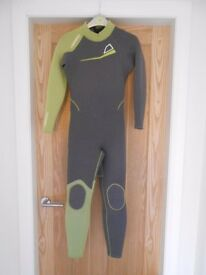 Tribord Wetsuit age 12yrs