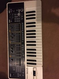 Roland gaia sh-01 Digital analogue synthesiser
