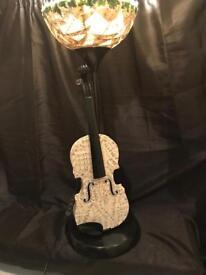 Up cycled violin 🎻 lamp