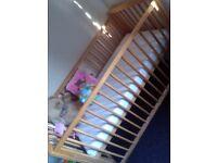 Baby Cot/mattress/pink bumper set