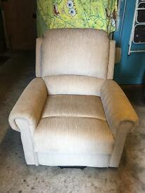 Electronic reclining chair