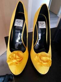 Holly Willoughby shoes