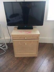 Bedside table / TV table / storage unit