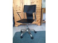 Rise and fall office desk chair