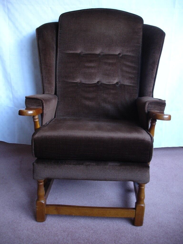 Remarkable A Comfortable Brown Dralon Winged Arm Chair In Good Condition Gamerscity Chair Design For Home Gamerscityorg