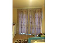 A pair of curtains