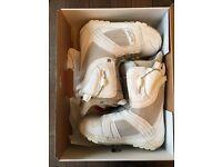 Burton Mint Women'a Snowboard Boots. Size 5.5. Worn once.
