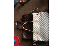 Like louis vuitton neverfull tote bag