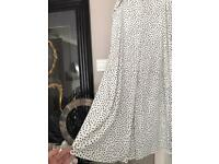 Beautiful maxi long Summer Black and whiteskirt from Primark size 16