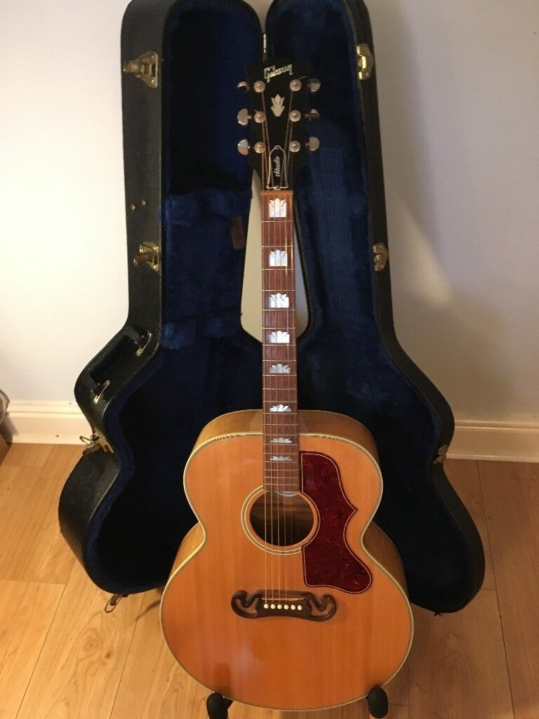 a superb gibson j200 studio jumbo acoustic guitar in harwich essex gumtree. Black Bedroom Furniture Sets. Home Design Ideas