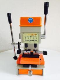 Laser Dimple Mul-T-Lock Garrison Key Cutting Machine