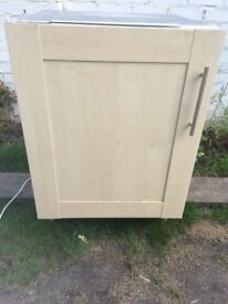 **NEFF**INTEGRATED**UNDERCOUNTER**FREEZER**GOOD CONDITION**COLLECTION\DELIVERY**A RATED**NO OFFERS**