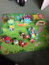 In the night garden play mat and figures