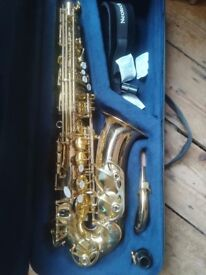 John Packer Alto Saxophone JP041, excellent condition, hardly used. Includes case, stand and strap