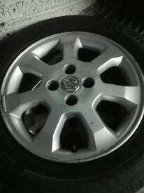 Vauxhall astra wheels and tyres 17in