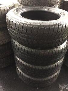 4 pneus 215/65/16 hiver Bridgestone