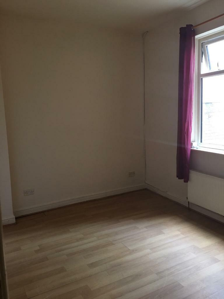 2 Bedroom House For Rent New Hall Lane Preston In