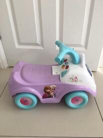 Disney Frozen Elsa Drive Along Activity Ride On