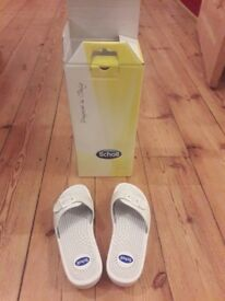 Size 4 Brand New Scholl White Massage Sandals (boxed)