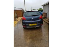 Good car For sale, Peugeot 3008 Executive HDI. The car is MOT'd until 5th December