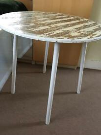 Small round side table/coffee table