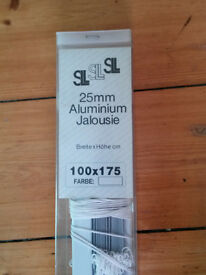 Aluminum Venetian Blind - White/Silver - 1000mm Wide 1750mm drop Unused Unopened