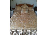 Beautiful gold double bed throw set ,perfect condition,