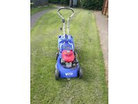 Honda petrol push lawnmower
