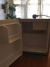 Motorhome fridge S30001 for sale works only 220-240v.